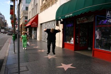 Runar hoppar på Liberace si stjerne i villt raseri
