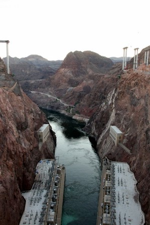Coloradoelva nedanfor Hooverdammen