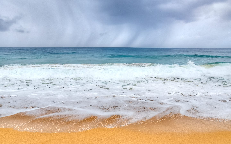 Rain coming in at Bluff Beach